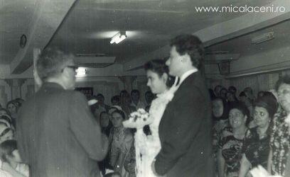 Mircea Damacus-Necsa si Rodica Damacus-Necsa(Martinescu), Alaturi Borlovan Cornel-fotografie facuta in timpul serviciului religios de casatorie in Biserica Veche-Micalaca
