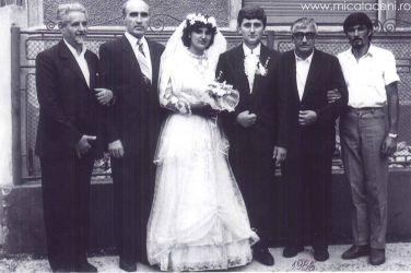 Sambateni -1986- Casatoria Adrian Mihuta cu Eunice Mihuta (Caprar), langa miri se afla preot Coltau Teodor,preot Emil Roman,pastor Borlovan Cornel, si preot Nicolae Vornicu