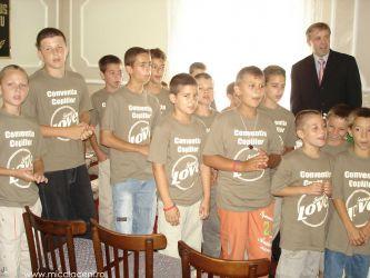 fr pavel leahu cu copiii iulie 2006