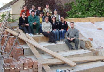 tineri pe santie mai 2005