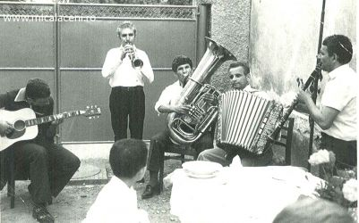 26 August 1964 - Chitara Petre Comlosan, trompeta Ion  Birzan, tuba Adrian Comlosan, Acordeon Cristescu Dumitru si clarinet Cornel  Cristescu