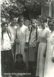 Angelica Coman, Eugenia Lupei, Florica Lupei, Emilia Lupei si Draghina Evi