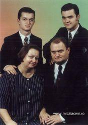 Dan Mireca si Virginia - impreuna cu cei doi copii Florin   si Claudiu