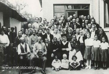 Familia Mihuta Savu si Sida, copii,impreuna cu o familie prietena din Ungaria