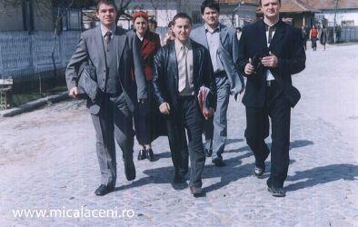 Grup de tineri Micalaceni in misiune-Oltenia
