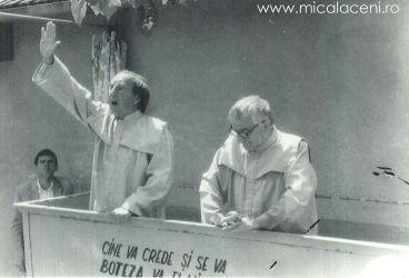 In bazin se roaga Rivis Tipei -Pavel-1990