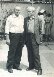 Mihuta Savu(Savulica) si Petru Bataneamt - in curte la Biserica Veche -  Fotografie facuta intre anii 1980-1985