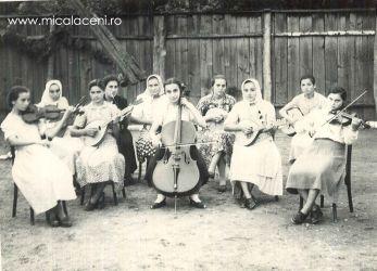 Orchestra - la violoncel sora Dan(Borlovan) Elena Marioara (Uți) 1960