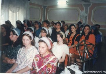 corul Bisericii Micalaca in anii 1990