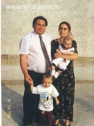 fam Necsa Dinu, Adriana si copii-  in anii 98