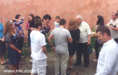 tineri Micalaceni- aflati in vizita la Borlovan Cornel cu ocazia zile de nastere - 09.07